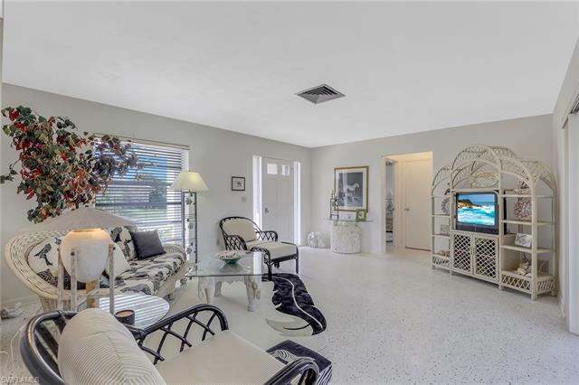 1211 Mulberry Ct, Marco Island, FL 34145