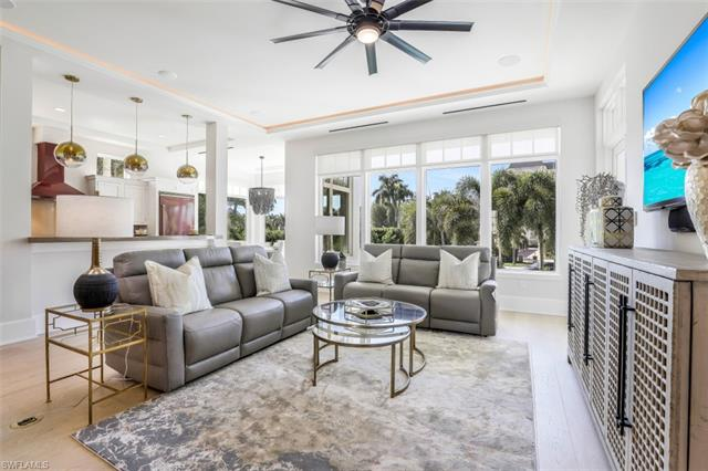 1724 Gulf Shore Blvd N 11, Naples, FL 34102