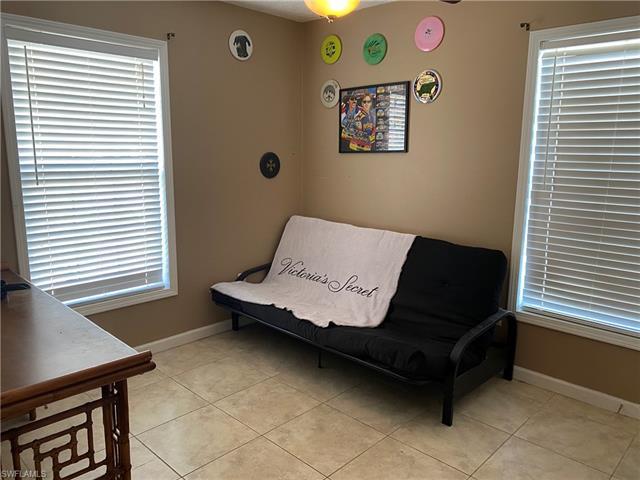 410 Leawood Cir, Naples, FL 34104