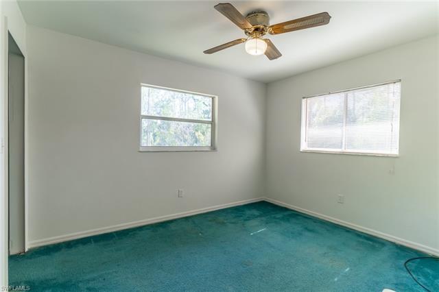 4220 Pine Ridge Rd, Naples, FL 34119