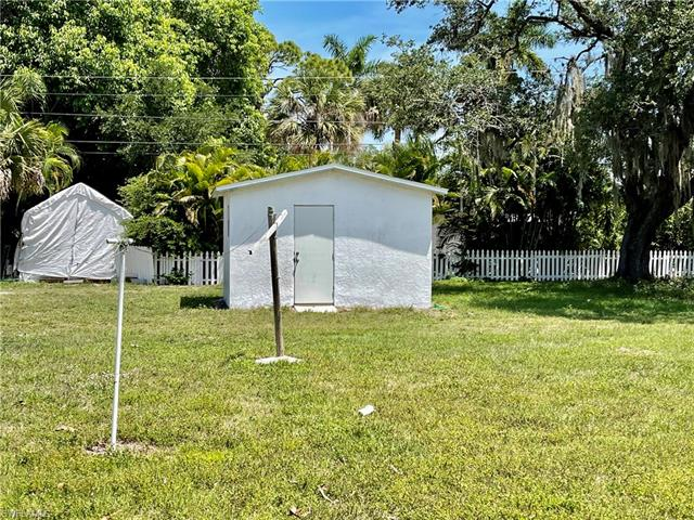 10210 Illinois St, Bonita Springs, FL 34135