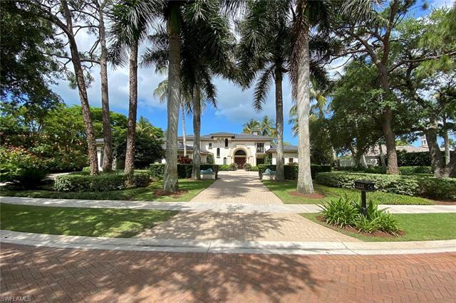 1125 Dormie Dr, Naples, FL 34108