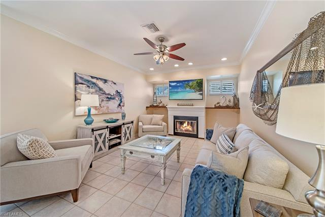 884 Briarwood Blvd, Naples, FL 34104