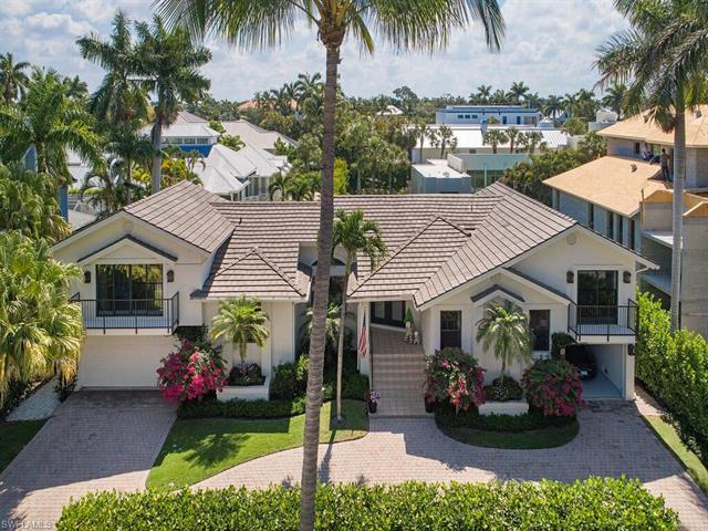 1355 Gulf Shore Blvd S, Naples, FL 34102