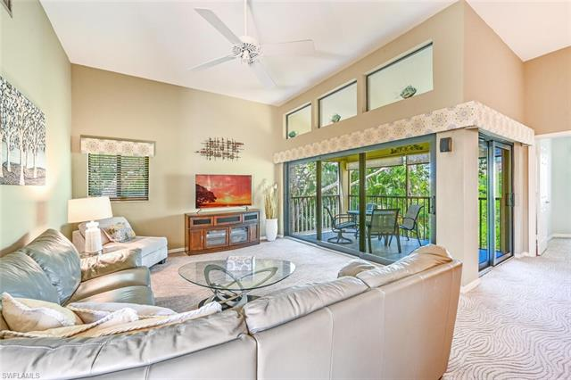 586 Beachwalk Cir O-306, Naples, FL 34108