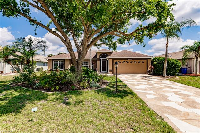 9810 Country Oaks Dr, Fort Myers, FL 33967