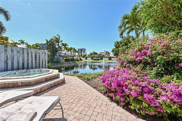 655 Bridgeway Ln, Naples, FL 34108 preferred image