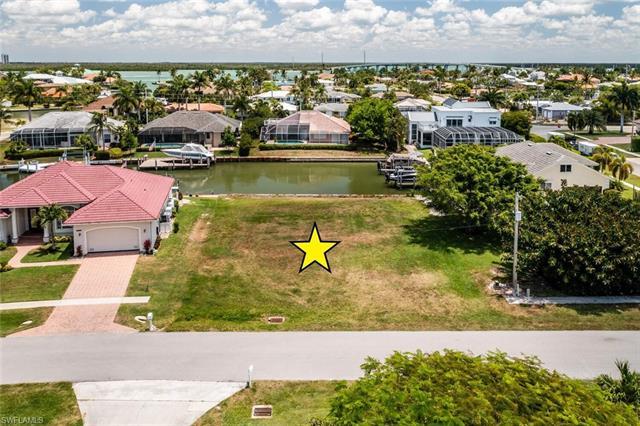 903 Juniper Ct, Marco Island, FL 34145