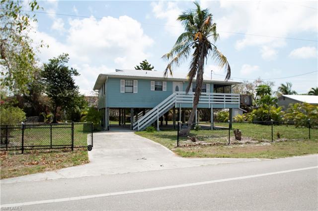 274 Smallwood Dr, Chokoloskee, FL 34138