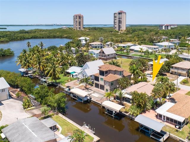 4733 Jackfish St, Bonita Springs, FL 34134