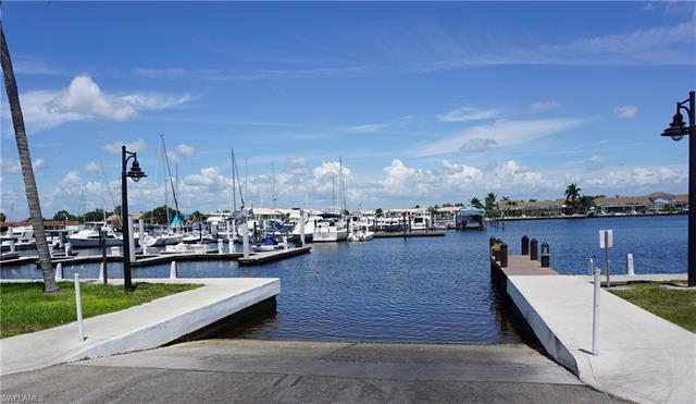 172 Cays Dr, Naples, FL 34114