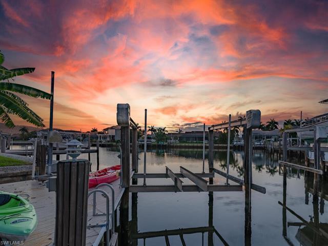 20 Sunset St, Marco Island, FL 34145
