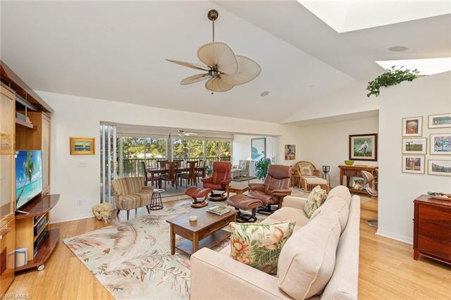 770 Waterford Dr 303, Naples, FL 34113