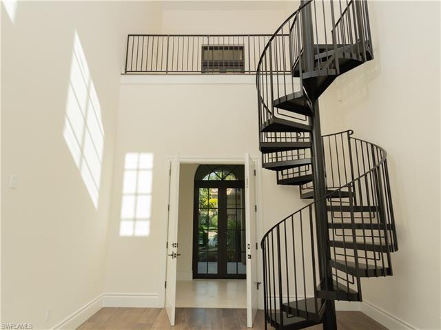 2581 Escada Dr, Naples, FL 34109