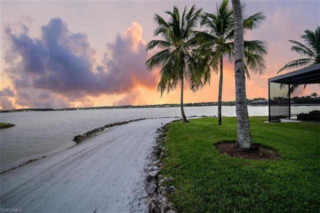 17981 Via Bellamare Ln, Miromar Lakes, FL 33913
