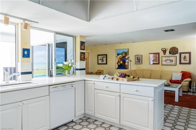1050 Gulf Shore Blvd S, Naples, FL 34102