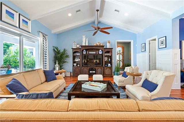 150 Central Ave, Naples, FL 34102