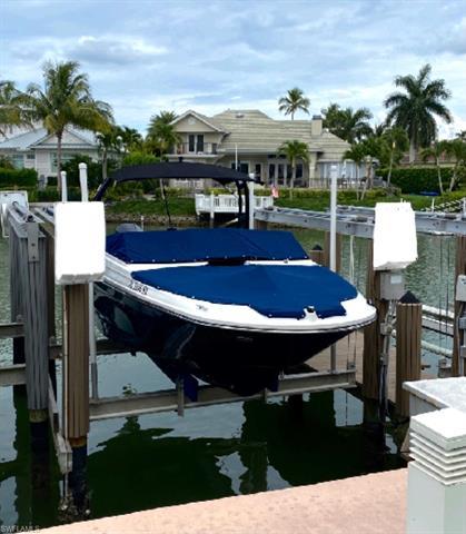 2100 Gulf Shore Blvd N 216, Naples, FL 34102