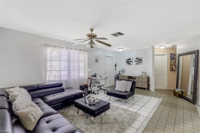 4865 22nd Ave Sw, Naples, FL 34116