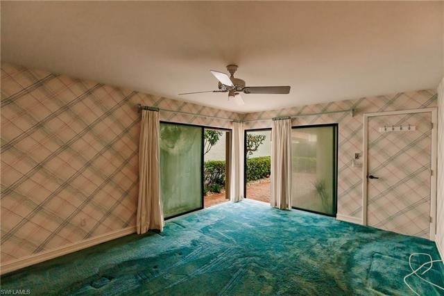 537 Bay Villas Ln 100, Naples, FL 34108