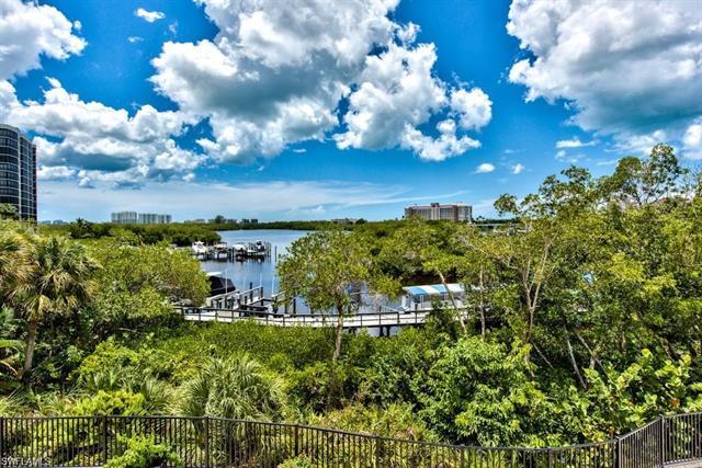 420 Cove Tower Dr 303, Naples, FL 34110