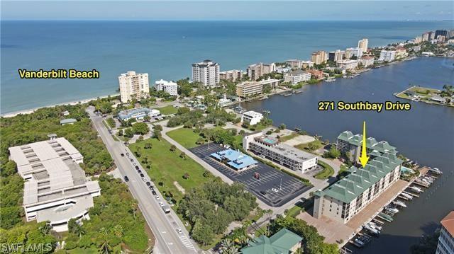 271 Southbay Dr Apt 243, Naples, FL 34108