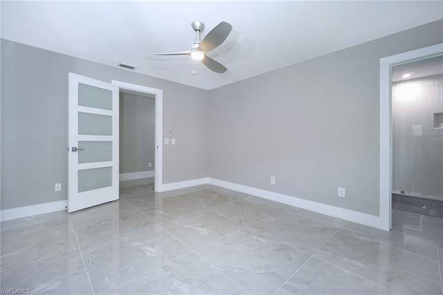 695 102nd Ave N, Naples, FL 34108