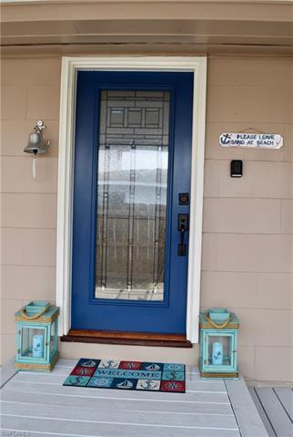 547 101st Ave N, Naples, FL 34108