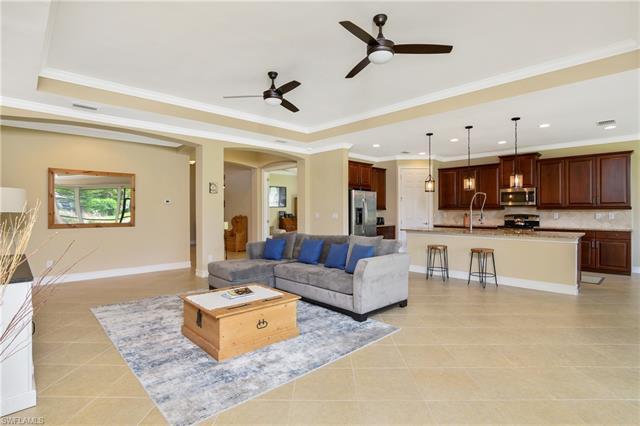 24811 Avonleigh Ct Sw, Bonita Springs, FL 34135