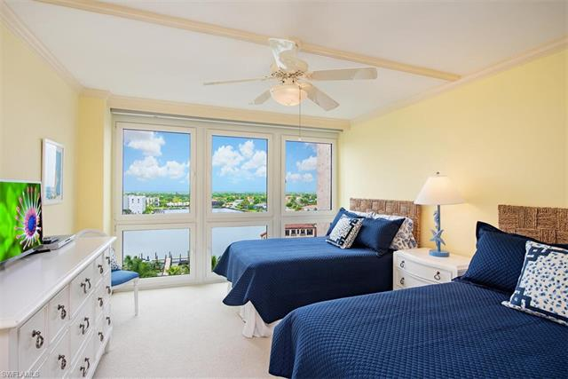 4031 Gulf Shore Blvd N 9d, Naples, FL 34103