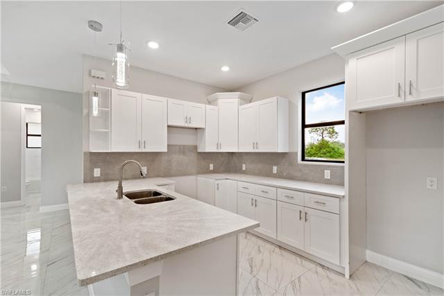 1902 20th Ave, Cape Coral, FL 33993