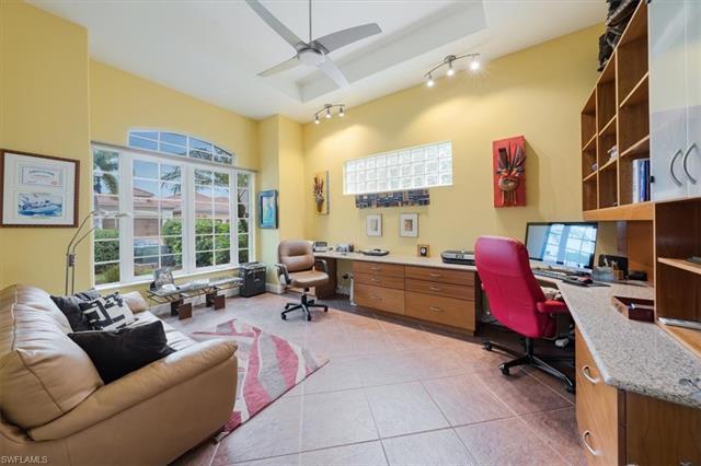 5592 Hammock Isles Dr, Naples, FL 34119