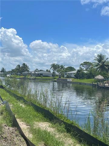 918 14th Ter, Cape Coral, FL 33990