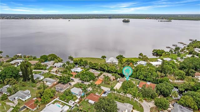 4155 River Dr, Fort Myers, FL 33916