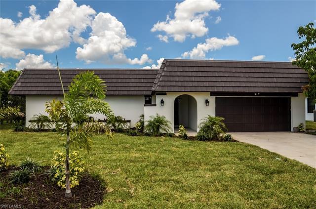 255 Pine Valley Cir, Naples, FL 34113
