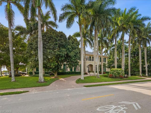 890 Gulf Shore Blvd S, Naples, FL 34102