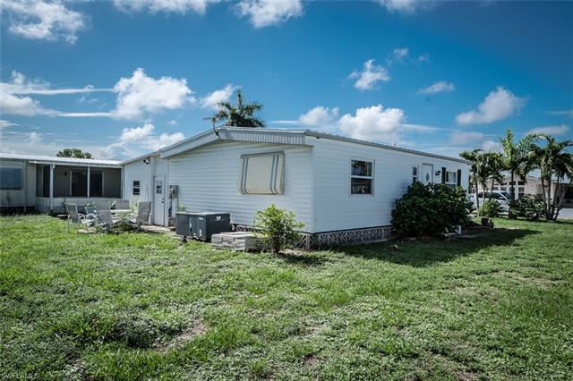 251 Pine Key Ln 197, Naples, FL 34114