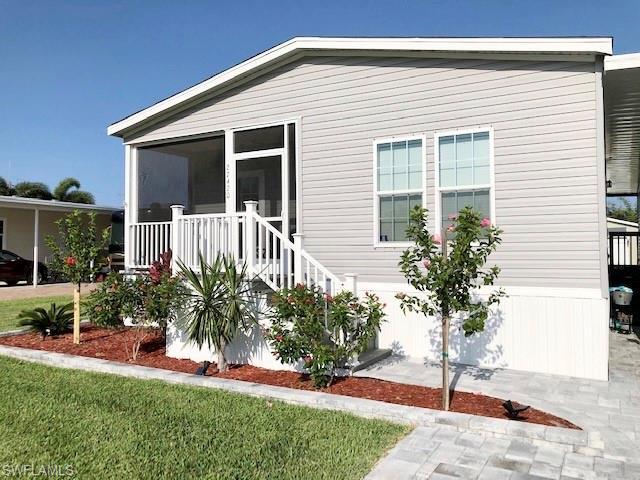 27420 Valois Dr, Bonita Springs, FL 34135