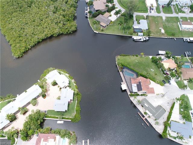 4877 Regal Dr, Bonita Springs, FL 34134