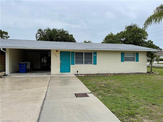 27318 Gasparilla Dr E, Bonita Springs, FL 34135