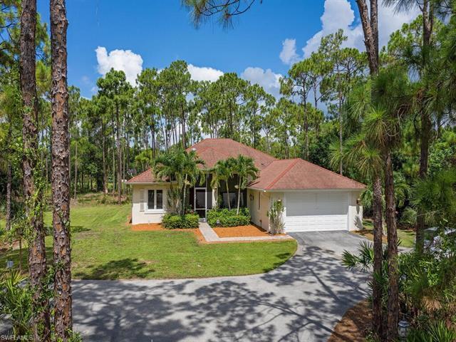 24608 Red Robin Dr, Bonita Springs, FL 34135