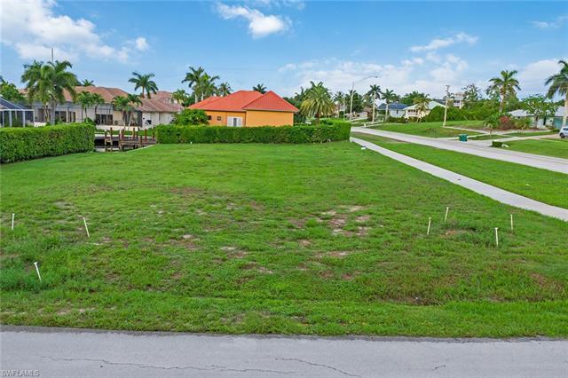 5 Covewood Ct, Marco Island, FL 34145