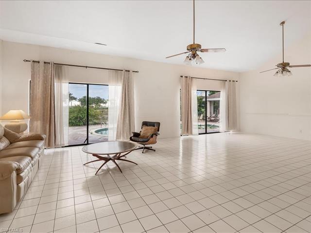 27174 Pinecrest Ln, Bonita Springs, FL 34135