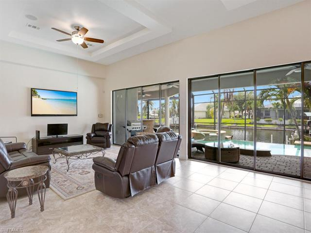 2804 38th St, Cape Coral, FL 33914