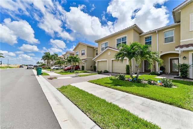 2700 Blossom Way, Naples, FL 34120