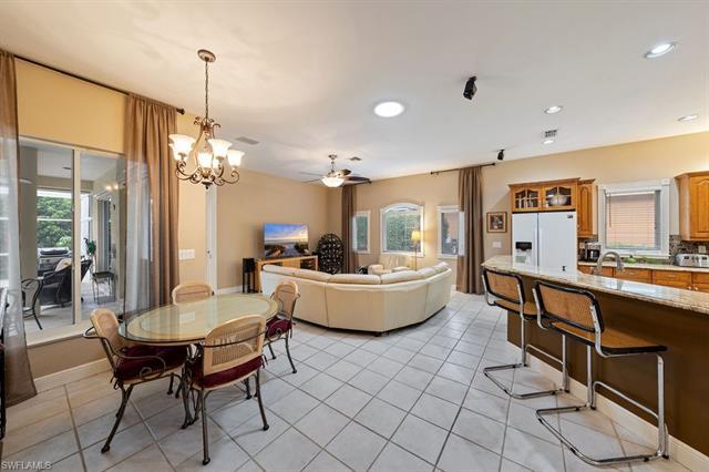218 Monterey Dr, Naples, FL 34119