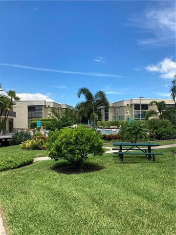 788 Park Shore Dr A29, Naples, FL 34103