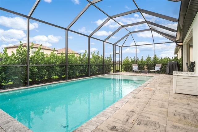 9428 Glenforest Dr, Naples, FL 34120