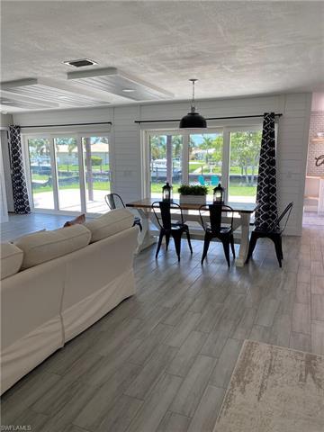 4948 Seville Ct, Cape Coral, FL 33904