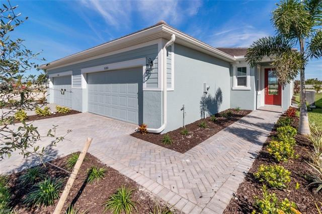 10372 Bonavie Cove Dr, Fort Myers, FL 33966